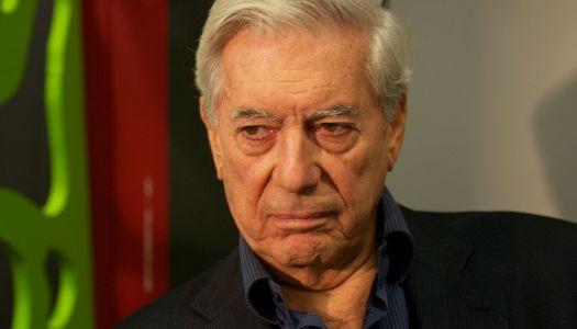 """Que mejor AMLO responda porqué aún hay tantos """"indios"""" ignorantes, pide Vargas Llosa"""