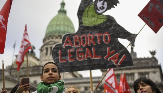 Mujeres ganan primera batalla por el aborto legal y seguro en Argentina