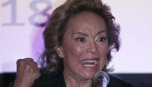 """En una puesta en escena, Elba Esther reaparece y dice: """"soy inocente"""""""