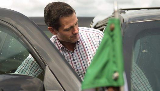 Peña Nieto suspende privatización del agua ante presión ciudadana