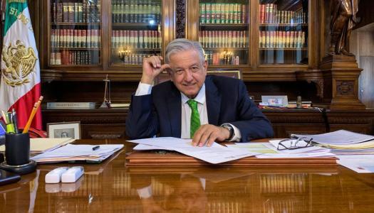 AMLO da memorándum contra Reforma Educativa y oposición se lanza contra él