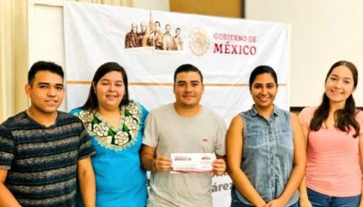 Gobierno de AMLO deposita por adelantado a estudiantes la beca Benito Juárez