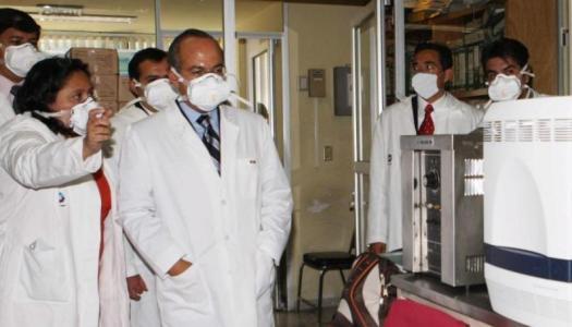 Así sacó provecho Felipe Calderón del brote de influenza AH1N1
