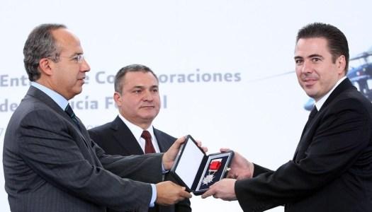 EU pide capturar por narcos a dos mandos de Calderón y García Luna