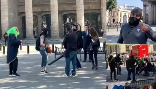 Brozo y Loret cierran plaza de Guadalajara con todo y policías de Alfaro