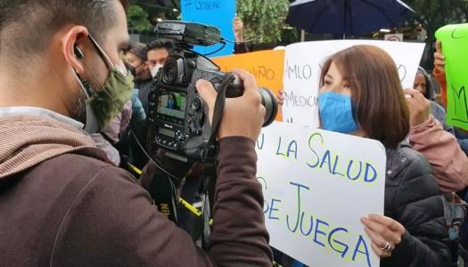 Ex candidata del PRIAN encabeza protestas de papás de niños con cáncer