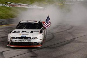 brad-keselowski-burnout-nascar-nationwide-2013-richmond-1-friday
