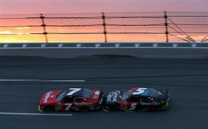 talladega_nns_regan_smith_kasey_kahne_drafting_050413