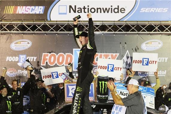 kyle-busch-victory-lane-nascar-nationwide-series-bristol-2-2013
