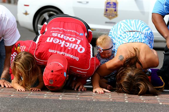 ryan_newman_kisses_bricks_nascar_indy_july2013