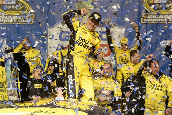 nscs_matt_kenseth_victory_lane_chicago_091513 (1)