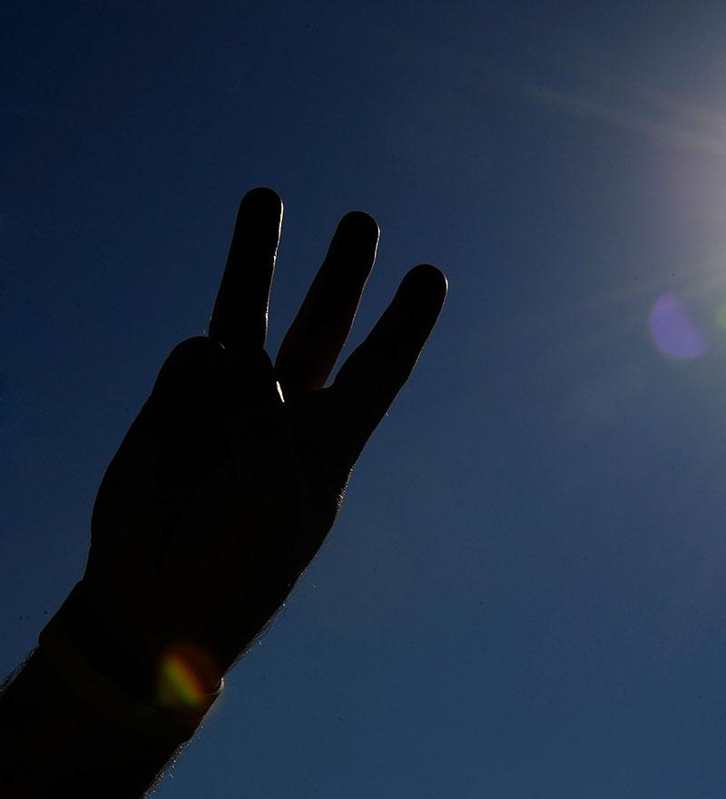 Earnhardt-Three-Fingers
