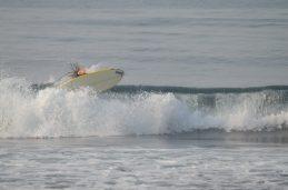 Felix surfing Madiha Surf Point Sri Lanka 2018 November (S1) (16)
