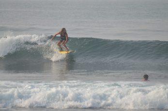 Felix surfing Madiha Surf Point Sri Lanka 2018 November (S1) (6)