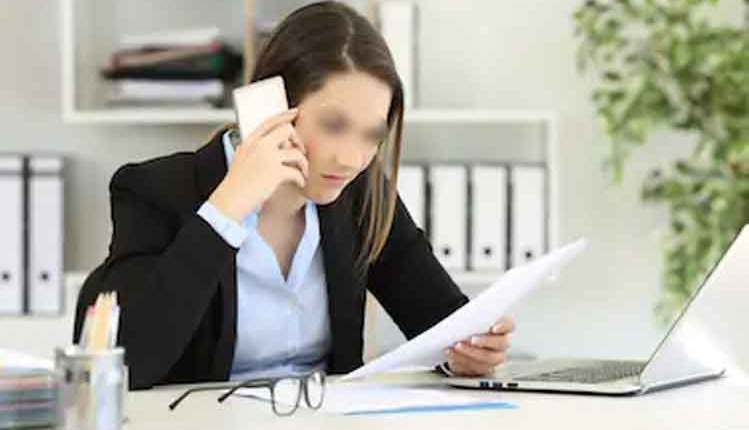 women-call