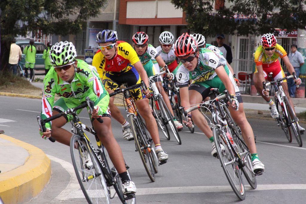 Yates gana la quinta etapa de la París-Niza