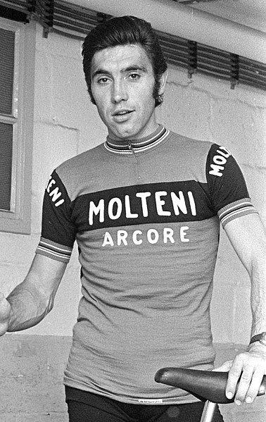 Eddy Merckx es hospitalizado tras sufrir una caída de su bicicleta