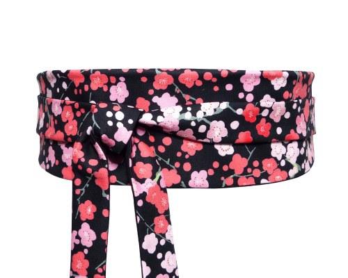 Ceinture obi noire, tissu japonais motif fleurs de cerisiers sakura rose et  rouge, en 6b08e4790ab
