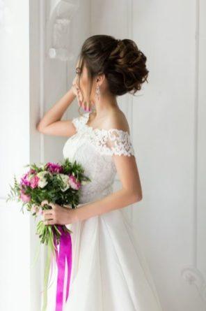 Высокий пучок для фотосессии невесты