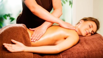 разработка грудного отдела позвоночника на сеансе массажа