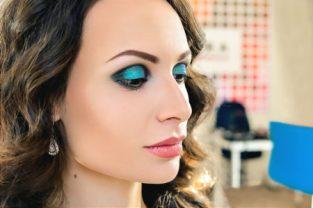 Вечерняя прическа и макияж с выездом мастера на дом Москва