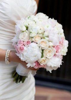 Букет невесты с нежно розовыми розами