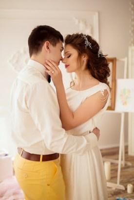 Невеста с женихом фото в гостинице