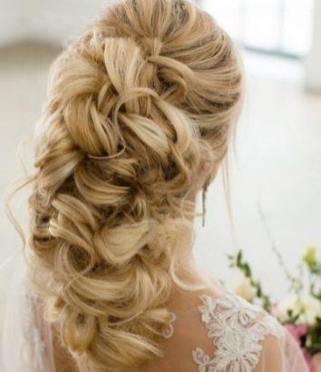Прическа невесты для в Бирюзовом цвете