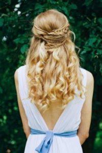 романтическая прическа для юной невесты фото