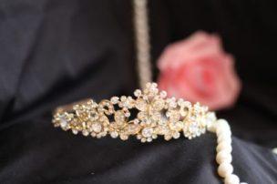 диадема на свадебную прическу
