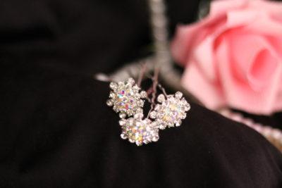 шпильки цветок в вечернюю прическу