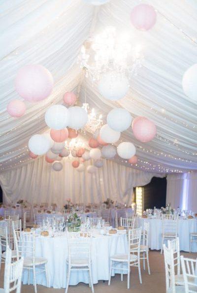 Оформление зала на свадьбу шарами недорого