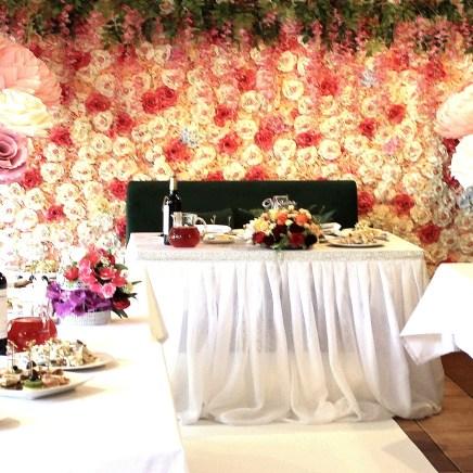 Свадебная цветочная фотозона