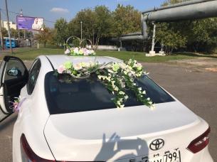 Оформление машин на свадьбу