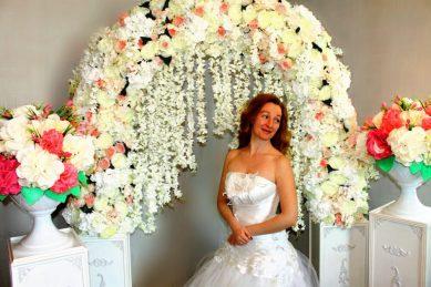 Арка на свадьбу в белом стиле