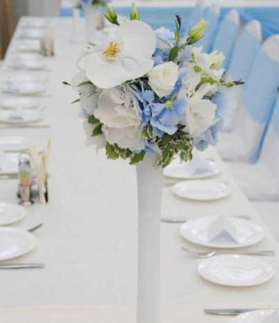 Свадебные цветы в голубом цвете