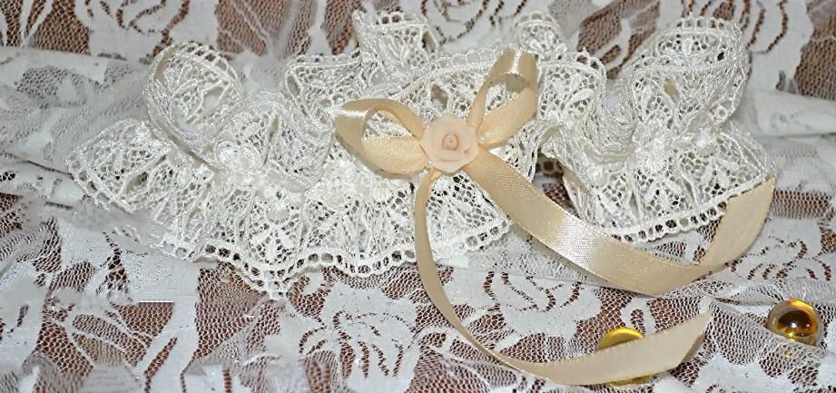 Свадебная подвязка невесты купить