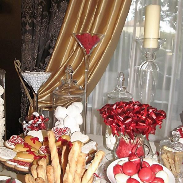 Оформление торта на свадьбу в красном