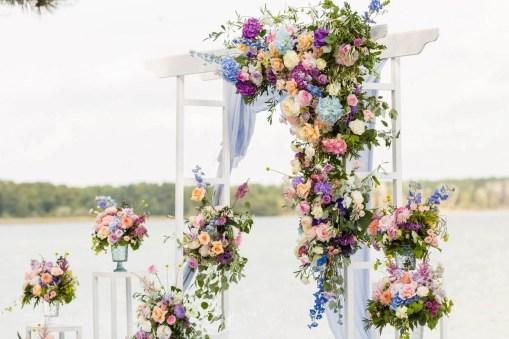 Арка свадебная белая деревянная