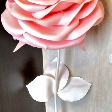 Ростовая роза из изолона розовая