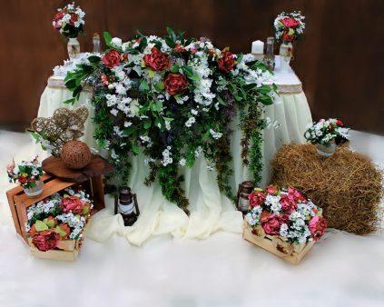Украшение свадебного стола в стиле рустик