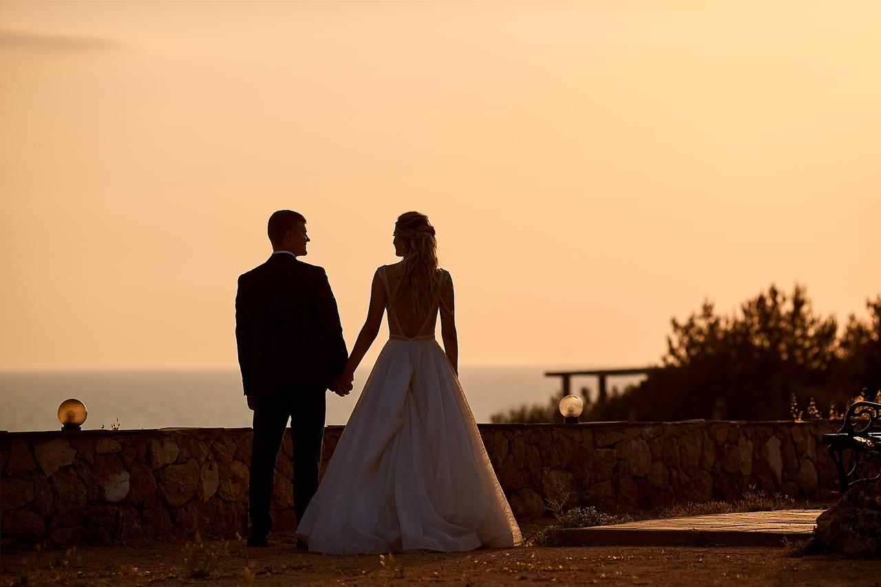 Свадьба вечером на природе