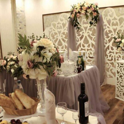 Оформление зала на свадьбу ширма