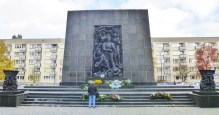 Memorial to Warsaw Ghetto Uprising Heroes
