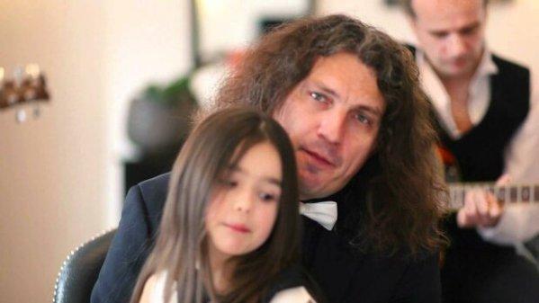Как сейчас выглядит дочь Кузьмы Скрябина (фоторепортаж)