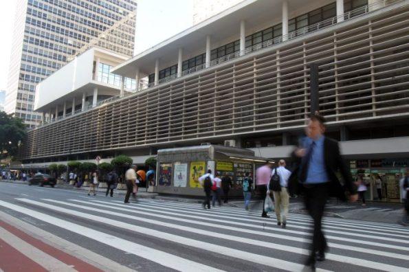 FR12 SÃO PAULO - SP - 01/04/2016 - NACIONAL - MOSSACK FONSECA - Fotos da fachada do edifício Horsa 1 e do Conjunto Nacional, onde ficava o escritório da Empresa Mossack Fonseca, envolvida na operação Lava Jato. FOTO: FELIPE RAU/ESTADÃO