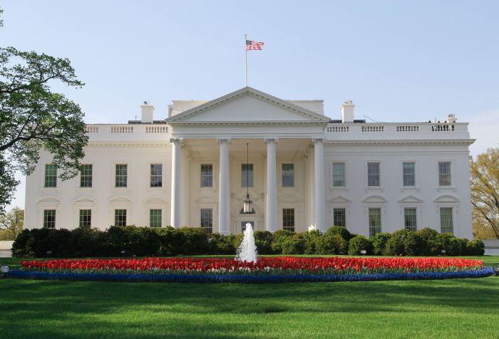 white-house-2-56a238715f9b58b7d0c8049f