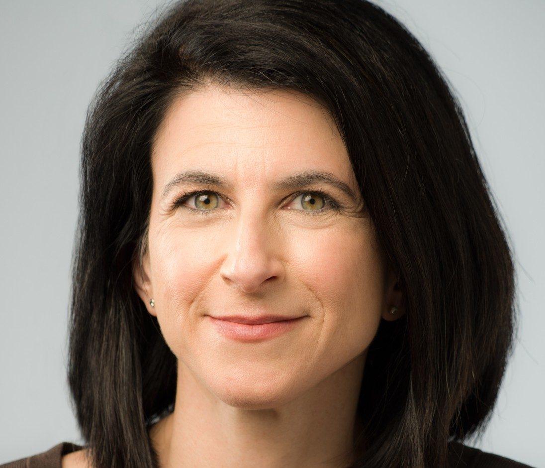 Jennifer Mitzen Headshot