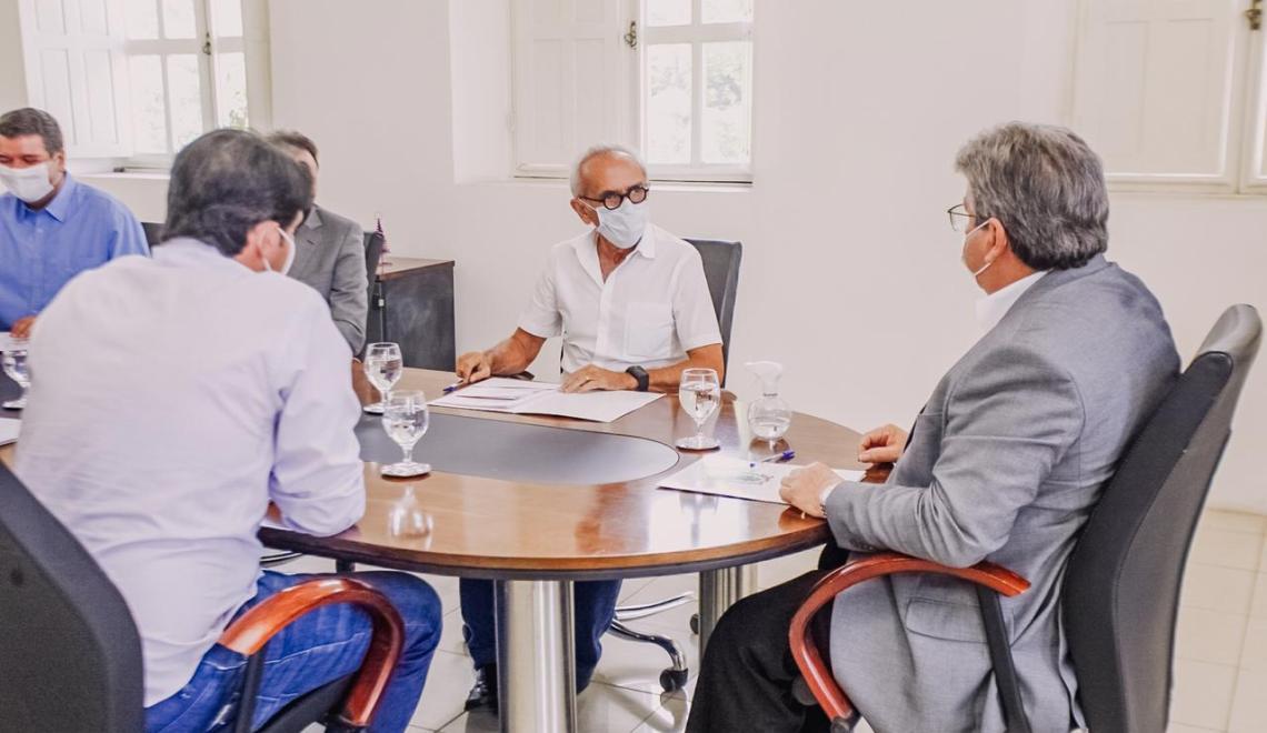Em encontro com Azevêdo, Cícero anuncia ações de infraestrutura, meio ambiente e saúde
