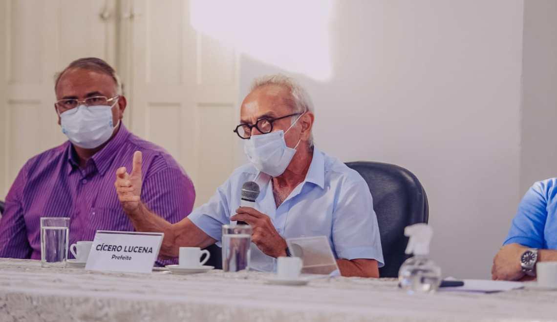 Cícero Lucena revoga decreto e autoriza retorno às aulas presenciais nas escolas particulares